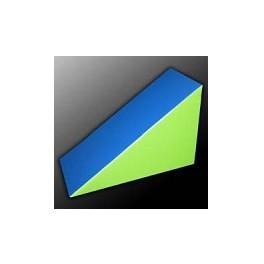 Ud. Figura triángulo 120x80x60 cm.